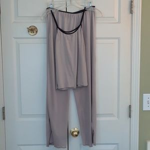 Pretty Elan pajama set